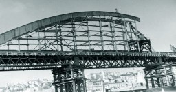 Construction of the bridge. Source:http://beobuild.rs/forum/viewtopic.php?t=282&start=1475